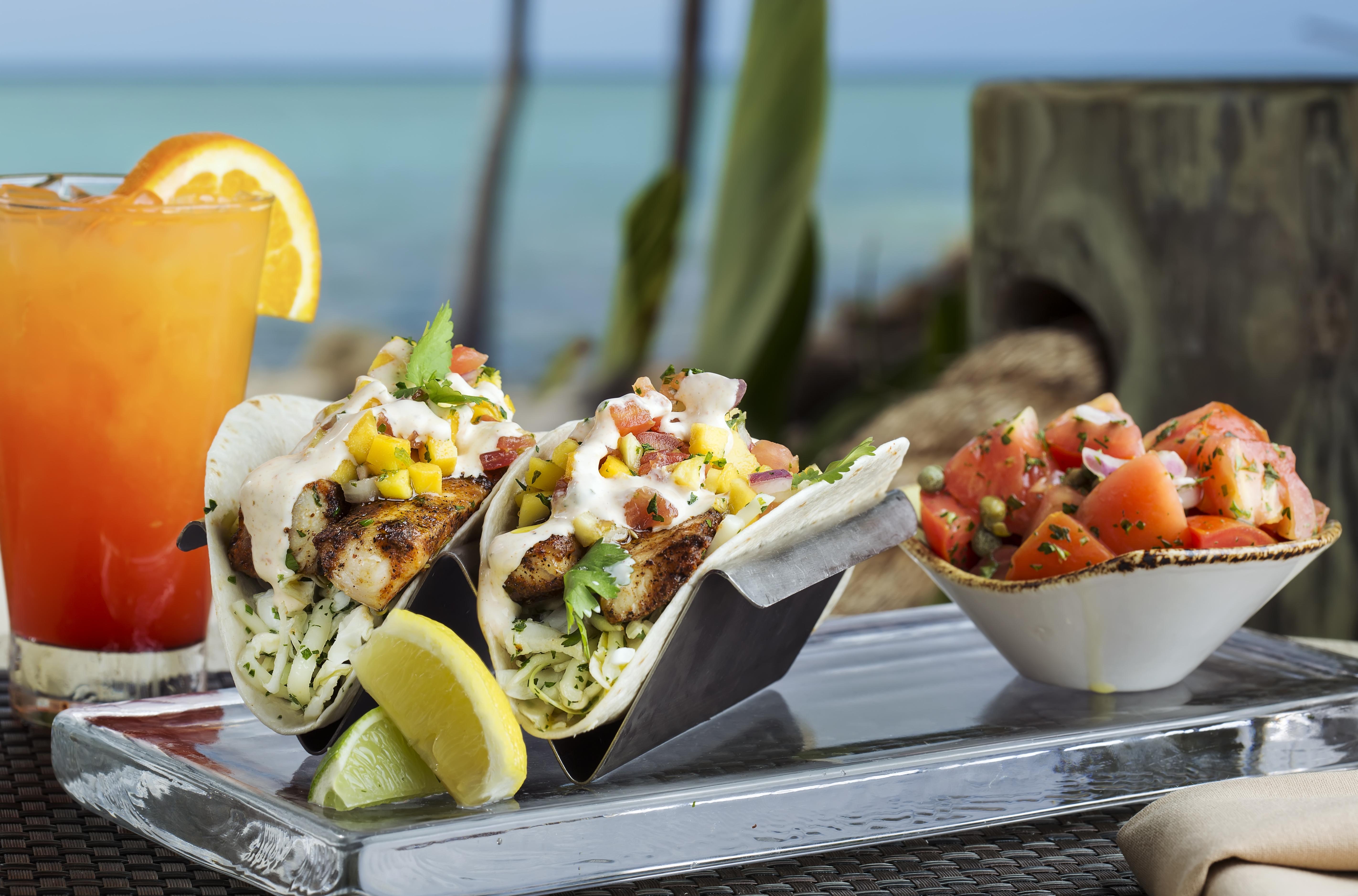 heeca_Tiki Bar_Food3_fish taco drink